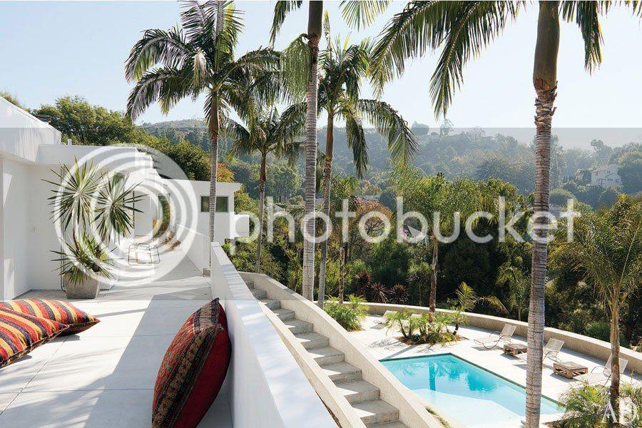 photo item3renditionslideshowWideHorizontaladam-levine-hollywood-hills-home-04-terrace_zps9fce3b46.jpg