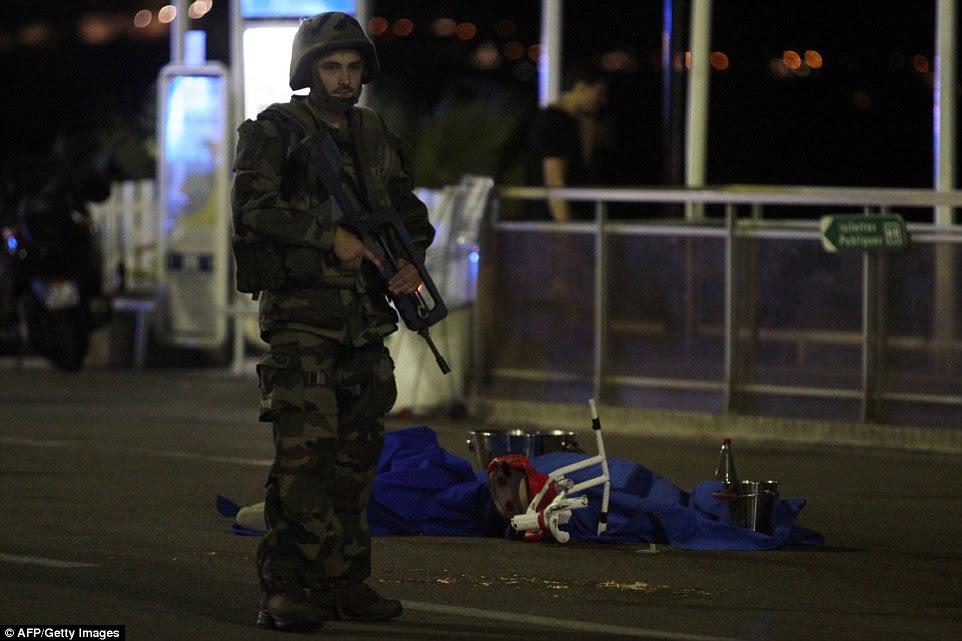 Pelo menos 15 pessoas são acreditados para estar em um estado crítico na sequência do ataque terrorista de ontem à noite em Nice