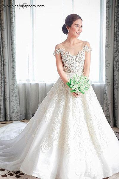 Three bridal styles that 12 celebrity brides of 2016 love