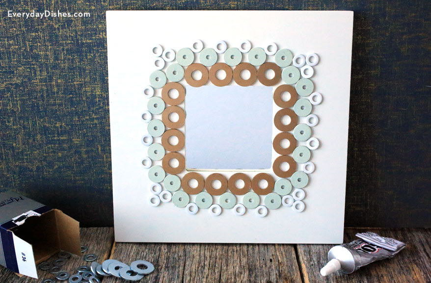 Decorate Frames Using Washers Everyday Dishes Diy