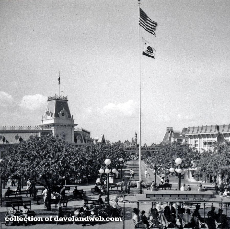 Disneyland Town Square balloon seller May 1964 photo