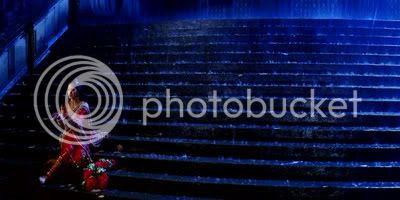 http://i347.photobucket.com/albums/p464/blogspot_images1/Bachna%20Ae%20Haseeno/31.jpg