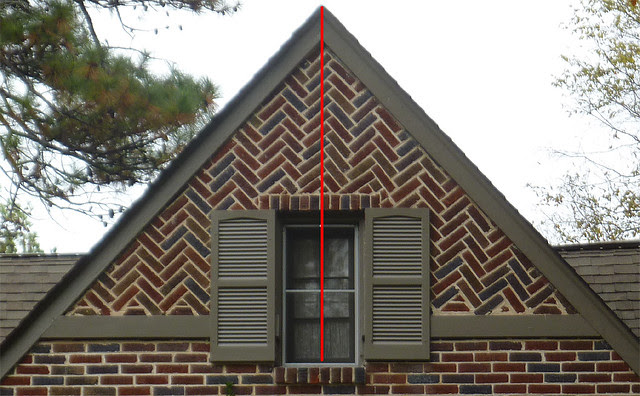 P1130467-2012-11-05-Drunk-Diagonal-Brick-gable-Morningside