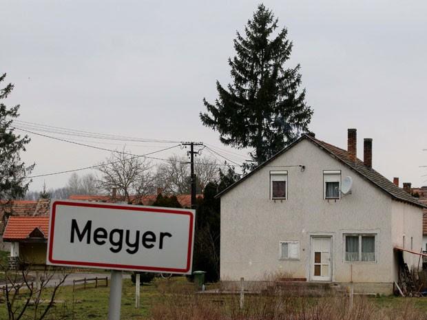 A pequena cidade de Megyer, na Hungria, que pode ser alugada completa por turistas (Foto: Ronald Zak/AP)