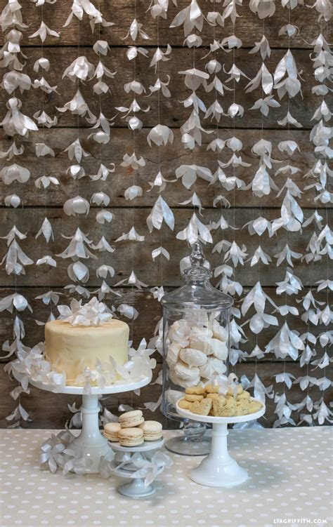17 Paper Decorations for Your DIY Wedding   The Paper Blog