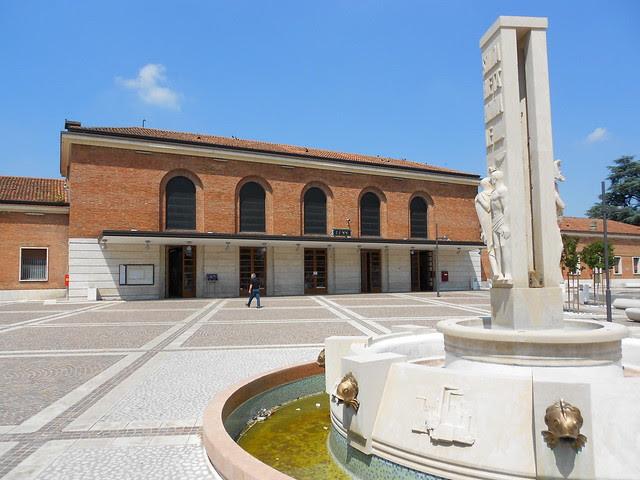 è tornata l'acqua nella fontana di Milani alla stazione di Rovigo
