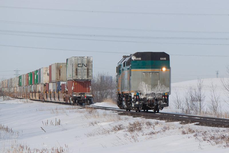 VIA 6446 detached from the CN train