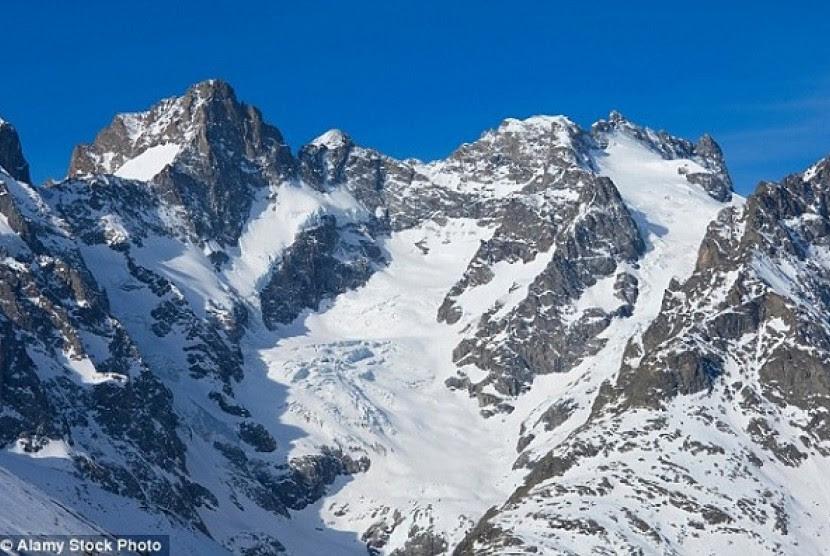 Pegunungan Alpen  Longsor Tewaskan 7 Wisatawan Republika