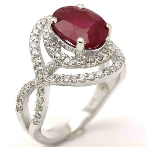 Ruby Engagement Rings: Traditional and Trendy Jewels