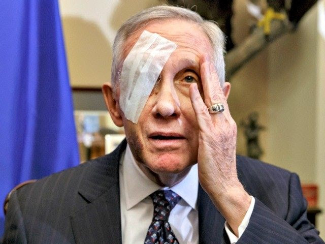 Harry-Reid-Bandage-AP-Photo-J.-Scott-Applewhite-640x480.jpg (640×480)
