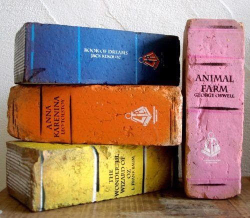 .DIY painted brick bookends.