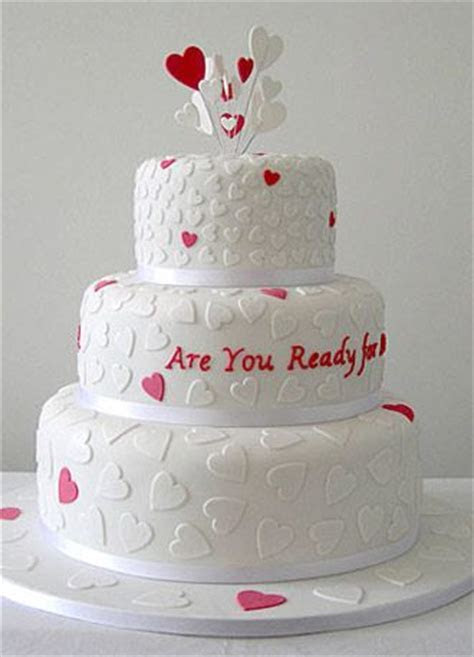 25  best ideas about Heart wedding cakes on Pinterest
