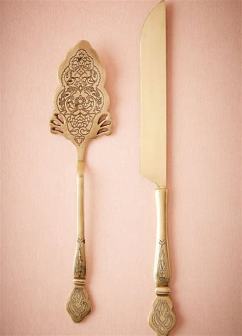 Filigreed Cake Serving Set ? The Wedding Shop