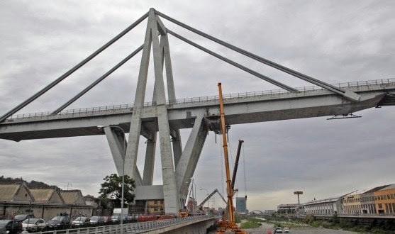 Στην γέφυρα γίνονταν κατά καιρούς εργασίες