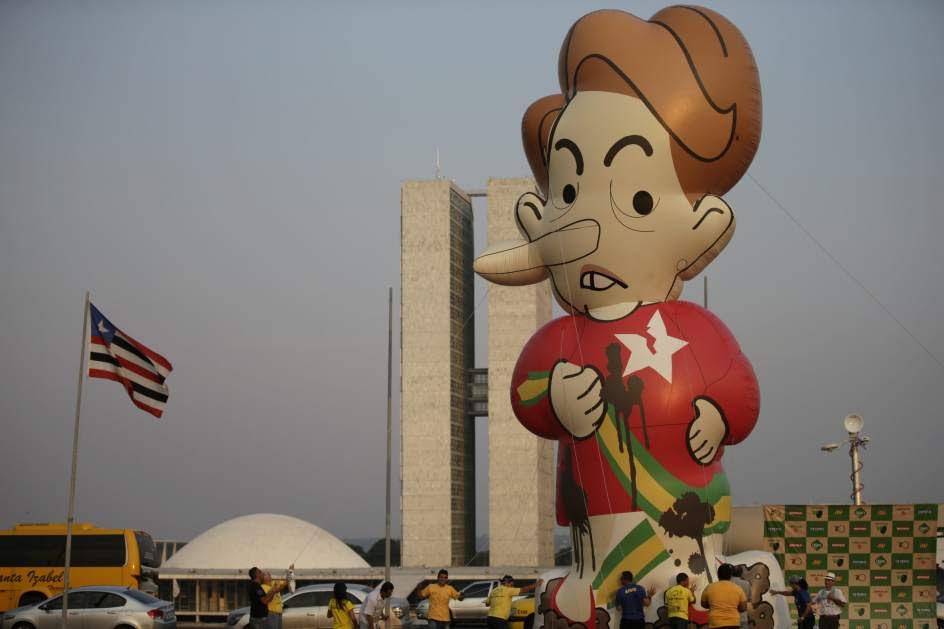 Muñeco hinchable contra Dilma