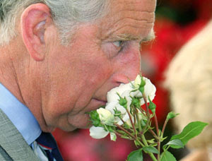 El príncipe Carlos durante la visita al 'Sandringham Flower Show', en Norfolk, este de Inglaterra. (Foto: Chris Radburn)