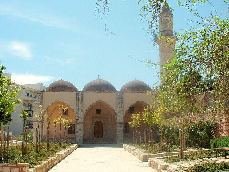 Αρχείο:Veli Pasha mosque, Rethymno - front view.jpg