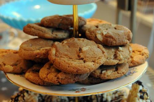 gingerbread-chocolatechunks-cookies