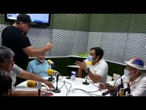 Após críticas de jornalista, grupo bolsonarista invade estúdio de rádio durante programa, em Santa Cruz do Capibaribe