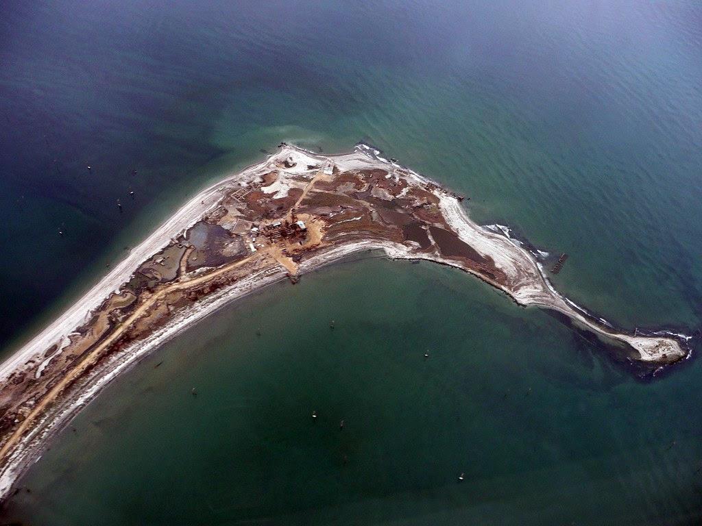 Azeri drilling island, Caspian Sea