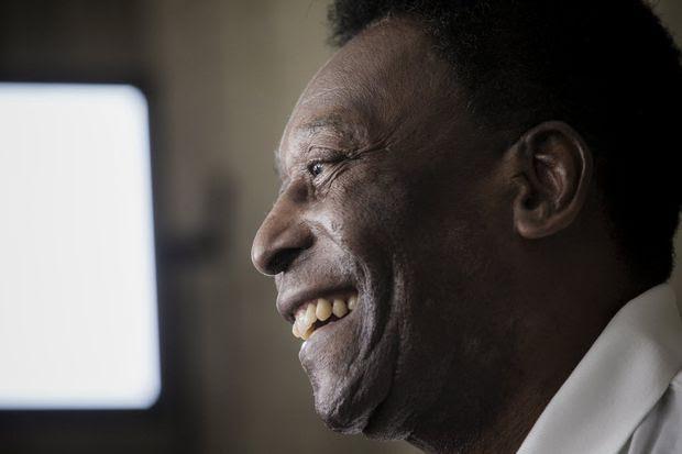 O ex-jogador de futebol Edson Arantes do Nascimento, o Pelé, durante entrevista à Folha de S. Paulo, na sede do Grupo Folha, na região central de São Paulo (SP), em abril de 2016