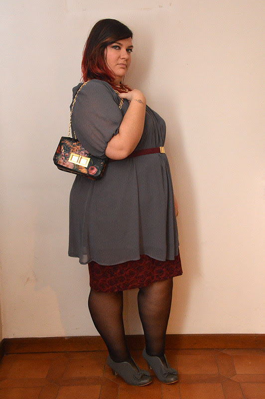 outfit grigio e borgogna3