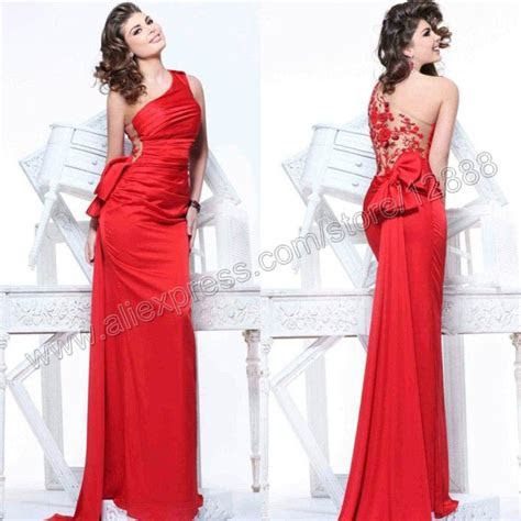 19 best images about I LOVE RED on Pinterest   Lady in red