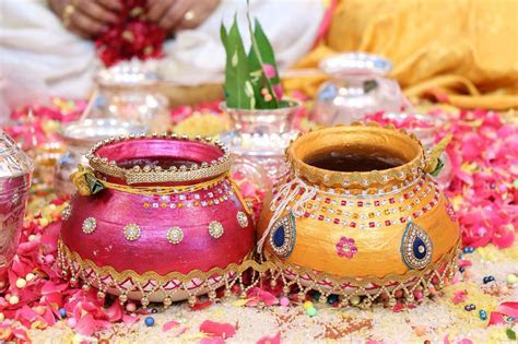 Decorative pots or matka in weddings   South Indian Pelli