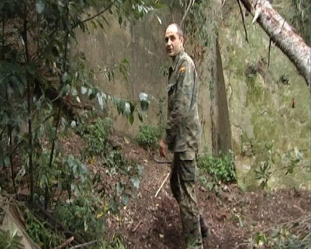 Andrei vive sólo en el bosque.