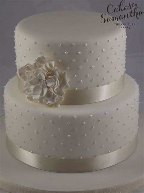 Small Two Tier Wedding Cake   Wedding Cake Flavors