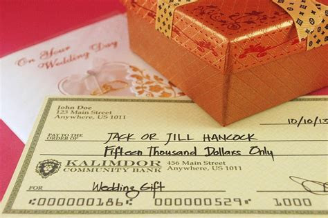 Etiquette of Giving Cash As Wedding Gifts   EverAfterGuide