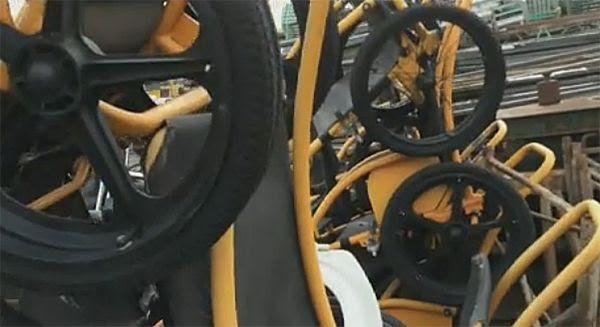Cadeiras de roda perfeitas no ferro-velho