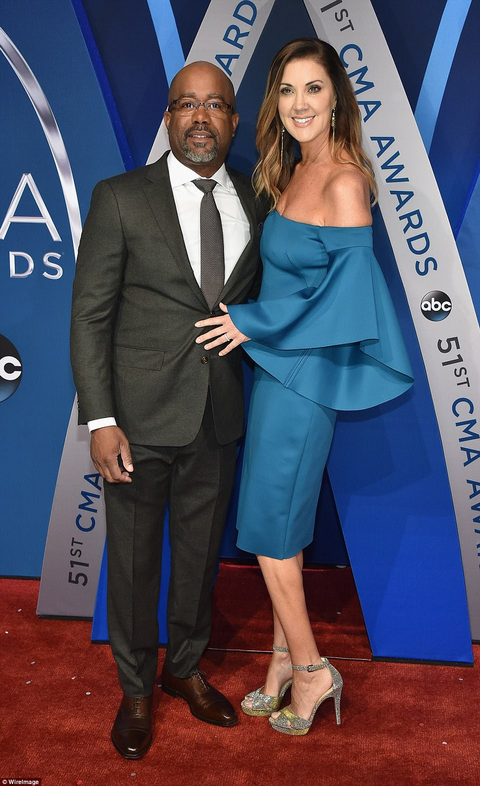 Aww! Hootie & The Blowfish hit-maker Darius Rucker cosied up to his wife, Beth Leonard