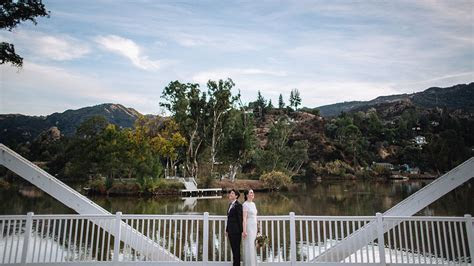 Elegant and rustic Malibou Lake Lodge wedding