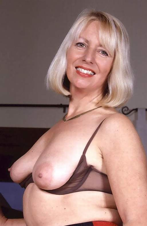 amateur nude photos of women over fifty