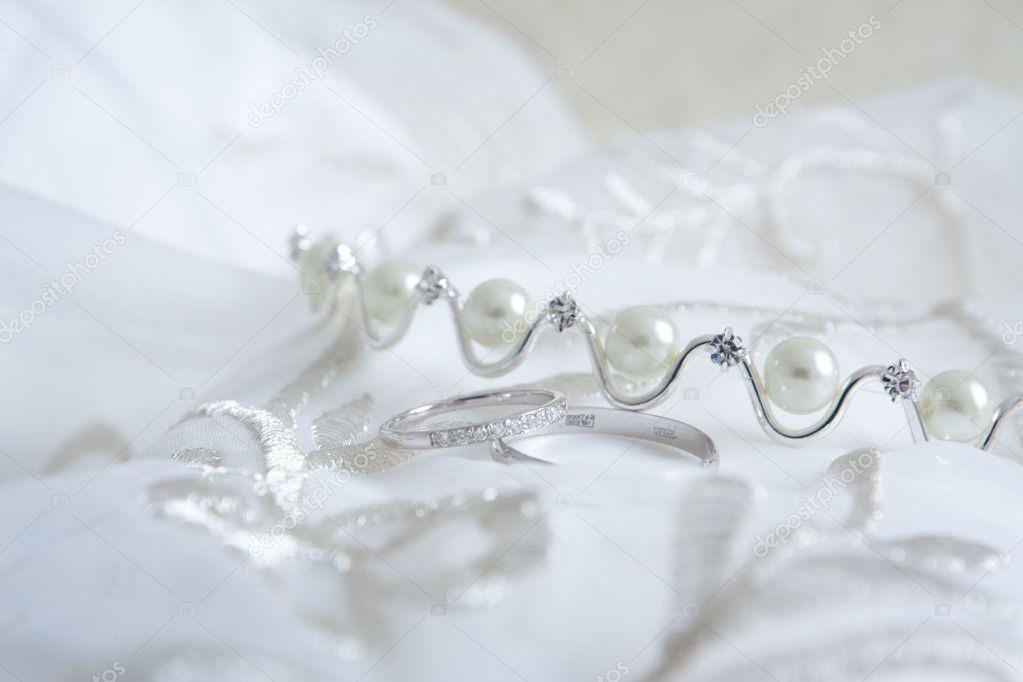 wedding hair accessories, wedding cakes, wedding dresses ring pillow, wedding accessories-43