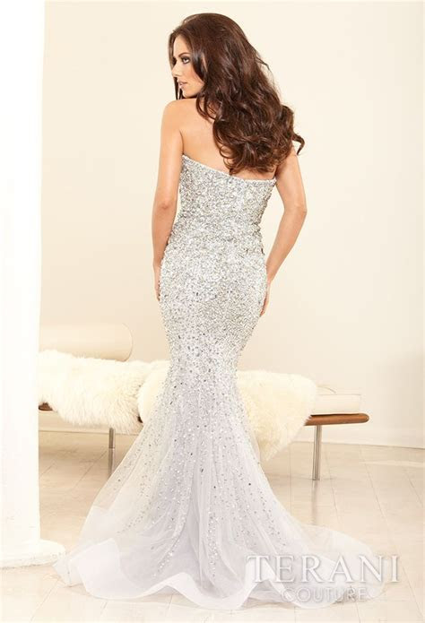 17 Best ideas about Vegas Wedding Dresses on Pinterest