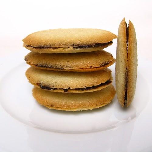 Good Appetite: Daring Bakers' - Dark Chocolate Rum Milan Cookies