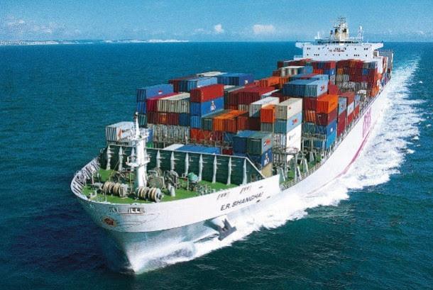 Kapal Kargo pengangkut kontainer komiditi ekspor (ilustrasi)