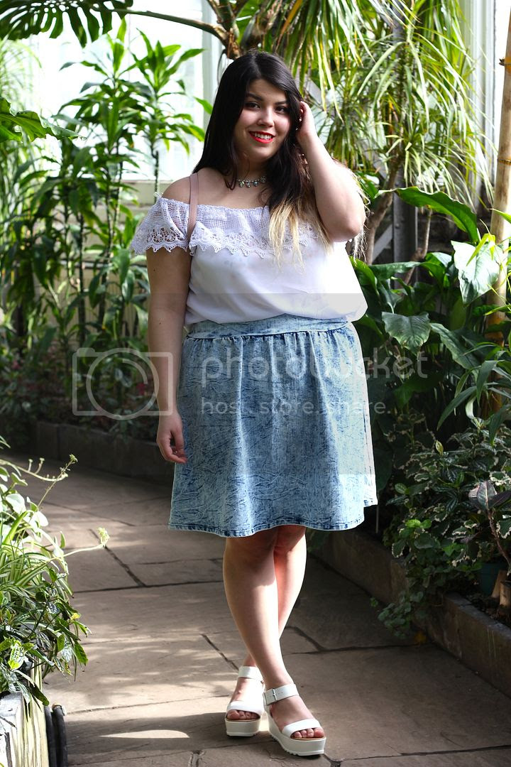 Charlotte Russe Plus plus size fashion fatshion toronto canada Charlotte Russe+ plus size flounce top acid wash chambray skirt