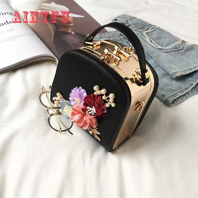 Get 2019 Metal Clip Small Square Bag New Fashion Dinner Flower Shoulder Diagonal Handbag Bags  Shoulder Bags 822