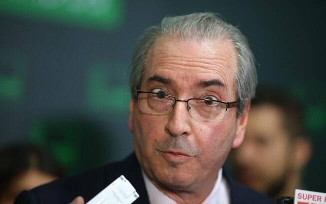 Em caso de impeachment da presidente Dilma, Eduardo Cunha seria o segundo linha sucessória