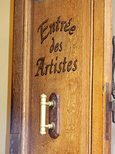 Vichy, entrée des artistes.jpg