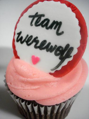 More Twilight Cupcakes - Team Werewolf