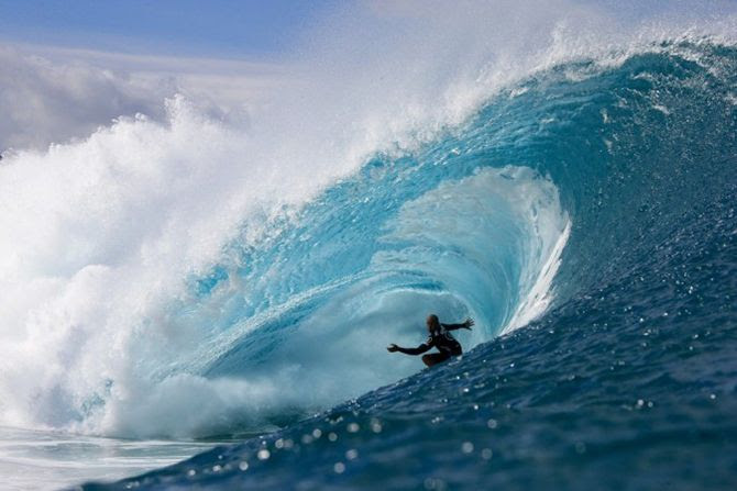 photo KellySlater_VolcomPipePro_Hawaiuml-perfect10-Bielmann_zps3a948a76.jpg