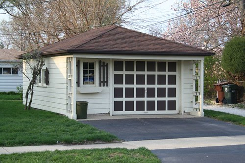 It's an Olde Weste garage