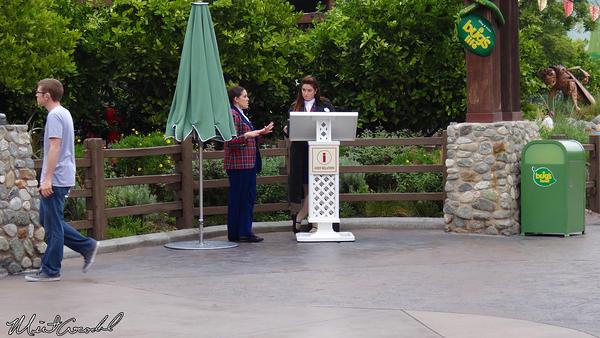 Disneyland Resort, Disney California Adventure, A Bug's Land, Disability Access Service, DAS, Kiosk