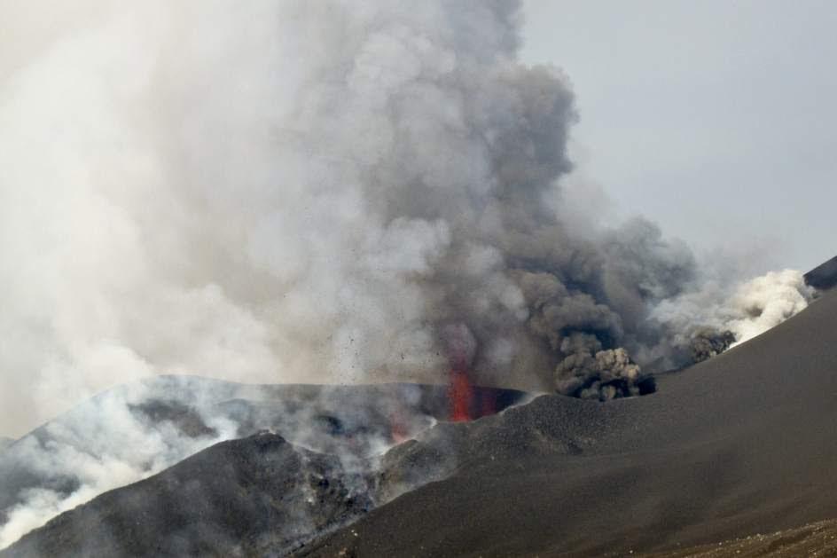 El volcán Pico de Fogo aumenta su actividad