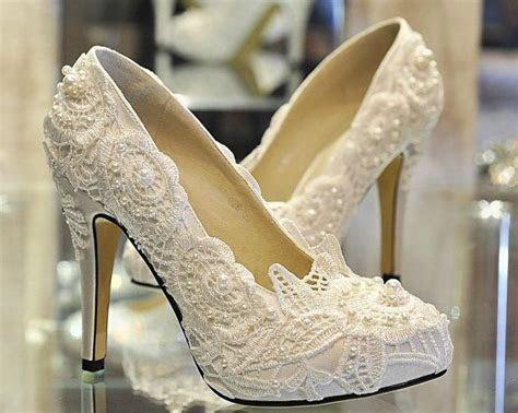 Luxury Heel White / Red Lace with Pearls Luxury Pumps