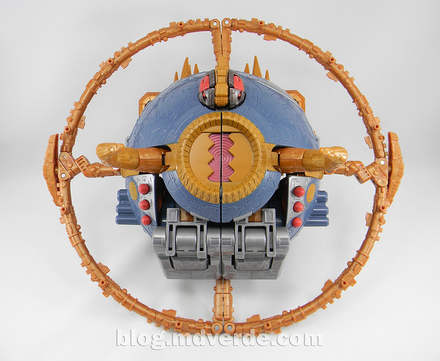 Transformers Unicron Generations Supreme - modo alterno